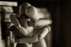Abrazo para aumentar la inteligencia Emocional en Chamberí.